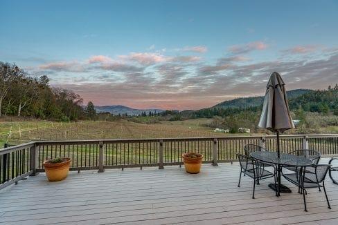 Pioneer-Road-Vineyard-Estate-Oregon-13