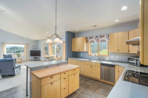 Pioneer-Road-Vineyard-Estate-Oregon-24