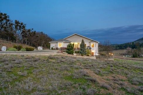Pioneer-Road-Vineyard-Estate-Oregon-39