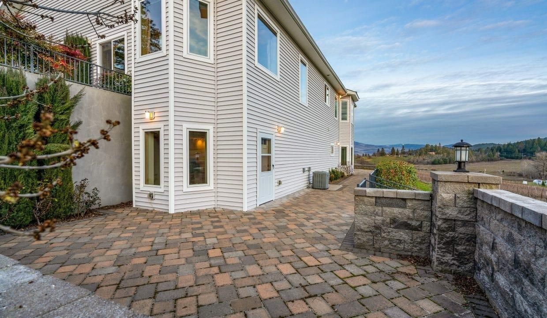 Pioneer-Road-Vineyard-Estate-Oregon-47
