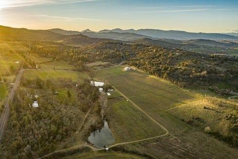 Pioneer-Road-Vineyard-Estate-Oregon-5