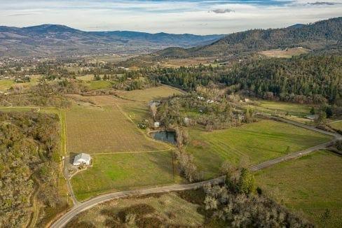Pioneer-Road-Vineyard-Estate-Oregon-6